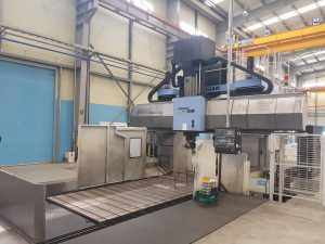 USED DOUBLE COLUMN MACHINE DOOSAN DCM 2780F